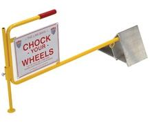 ALUMINUM WHEEL CHOCK W/FLAG